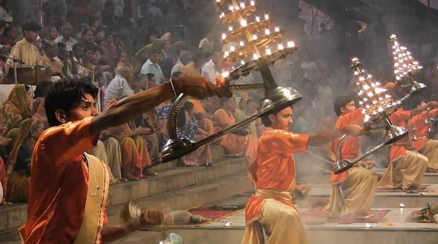 -Ganga-Aarti-kesari-tours
