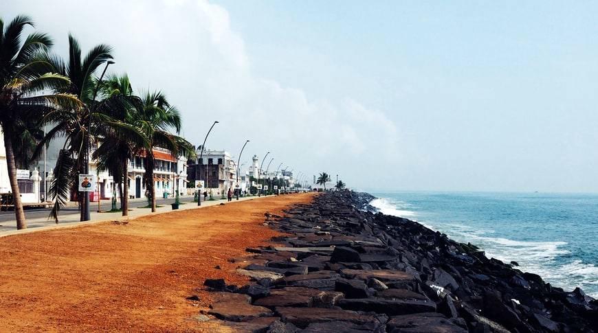 Promenade-Beach
