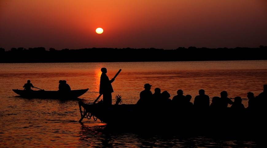 Sunset-Banaras-Ghat-kesari-tours